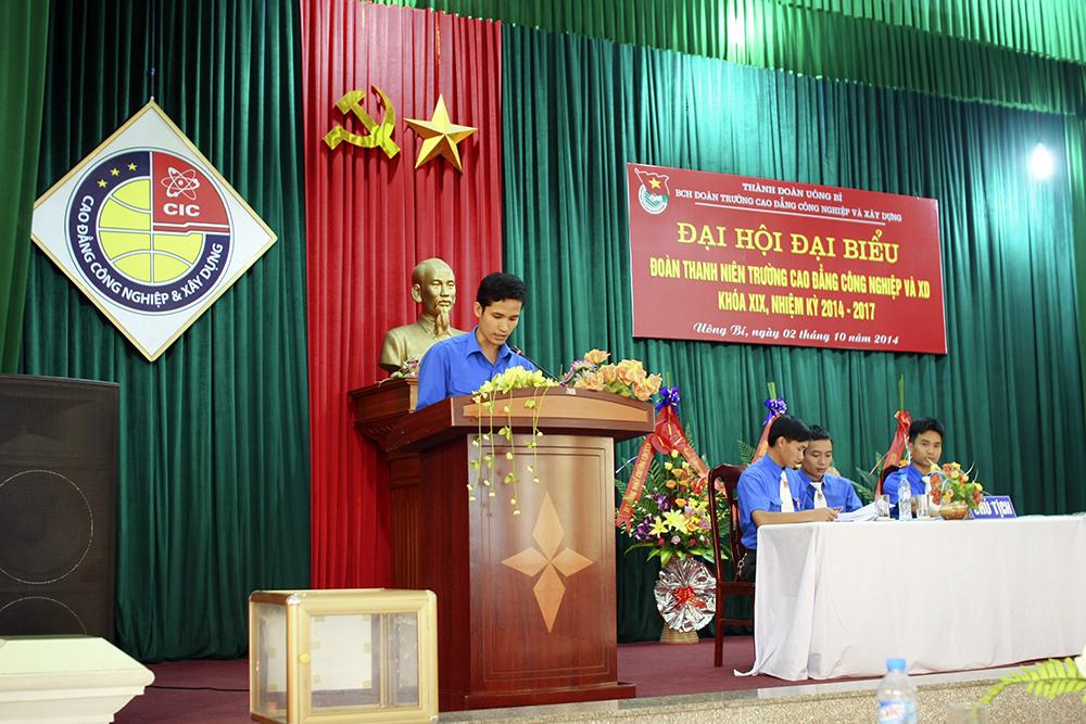 Đ/c Hà Minh Hải – chi đoàn phòng NCKH báo cáo tham luận về Nâng cao chất lượng đào tạo và NCKH.